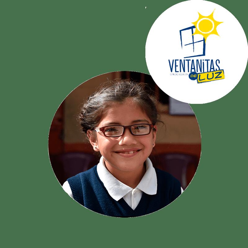 imagen decorativa sobre nuestro programa social para los niños ventanitas de luz, niña con lentes donados y arriba de ella logo de ventanitas de luz
