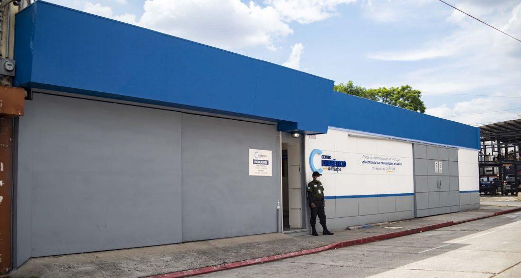 Fotografía de la entrada principal del centro diabético.