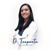 Dra. Dayna Toapanta Oculoplástica